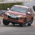 Mitsubishi L200 ледь не провалив «лосиний тест»