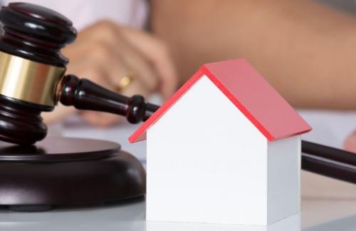 Адвокат по жилищным вопросам помог с депозитом