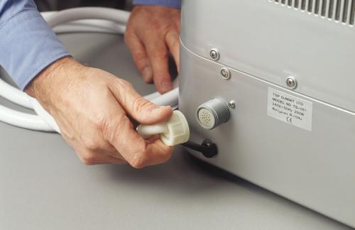 Холодильник с ледогенератором: как подключить