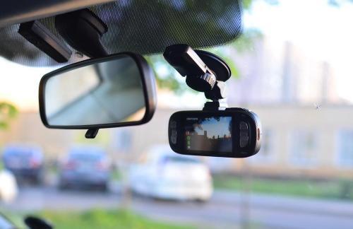 Выбираем оптимальный видеорегистратор для авто