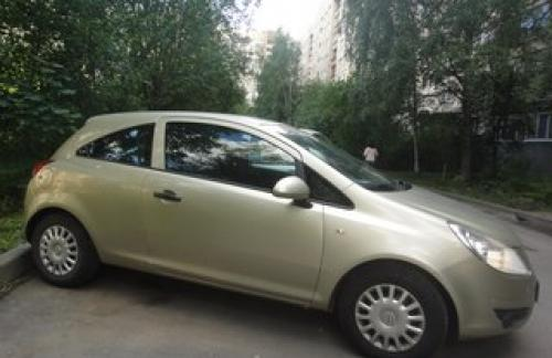Срочно продам автомобиль Opel Corsa 3D