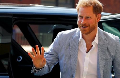 Эксперты подсчитали, сколько раз принц Гарри надел свой любимый пиджак