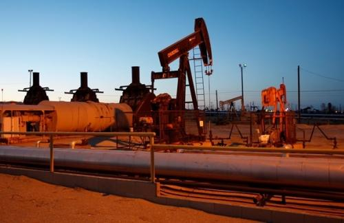 Цены на нефть опустились ниже 65 долларов