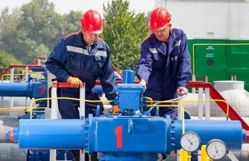 Украина снизила импорт газа почти на треть