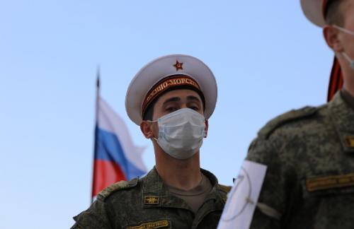 В Крыму более тысячи российских военных тренировались к параду победы - СМИ