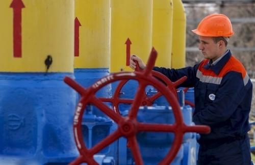 Транзит газа из РФ через Украину упал на 40%