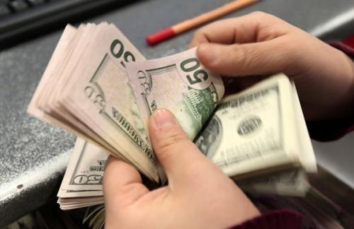 С начала года бизнес вывел за границу $2,7 млрд