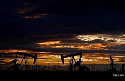 Цена нефти вернулась к годичному максимуму