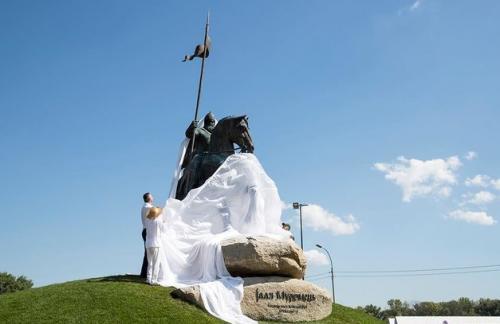 В Киеве открыли памятник богатырю Илье Муромцу