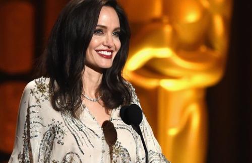 Анджелина Джоли пытается вернуть утраченное здоровье