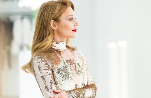 Ослепила: Тина Кароль вышла в свет в сексуальном платье за пять тысяч долларов