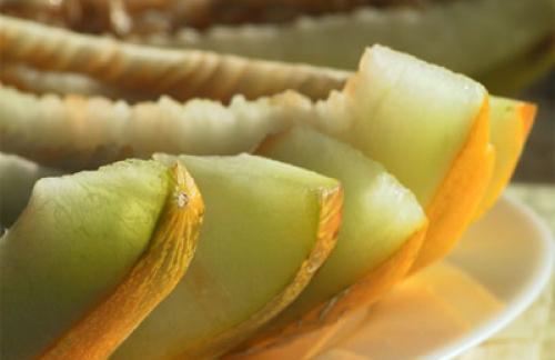 Дыня - полезные и целебные свойства дыни.