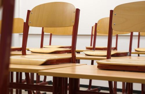 Карантин в киевских школах: больше всего детей болеет в Святошинском и Дарницком районах