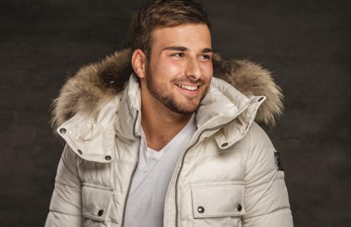 Модные мужские зимние куртки с мехом