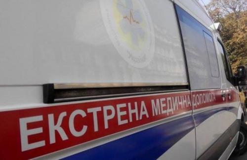 Украина бесплатно получила полсотни автомобилей скорой помощи от Китая