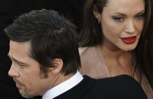Анджелина Джоли возмущена тем, что Брэд Питт наладил отношения с Дженнифер Энистон