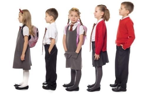 Выбор одежды для школьника: форма или повседневный стиль?