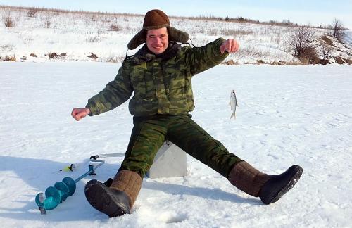 Особенности зимней рыбалки и пара хитростей