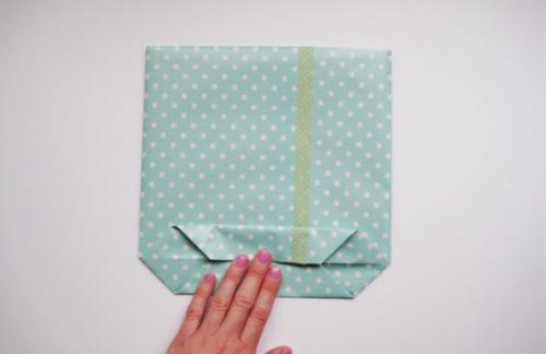 Из каких материалов делают пакеты для подарков?