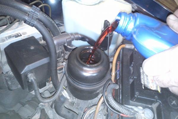 Как заменить масло в гидроусилителе руля?
