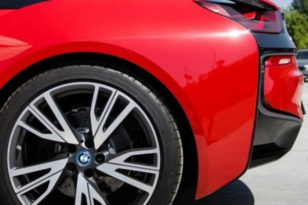 ФОТОФАКТ. На украинских дорогах засветился эксклюзивный гибрид от BMW