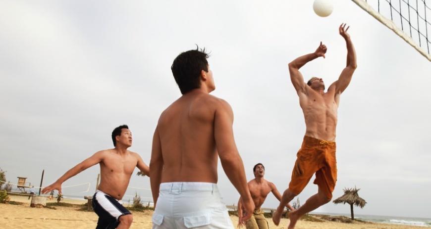 Чем можно заняться на пляже кроме лежания на шезлонге?