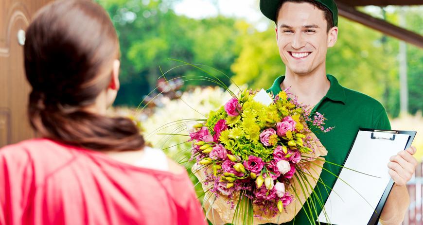Наша доставка цветов знает, что дарить в тех или иных случаях
