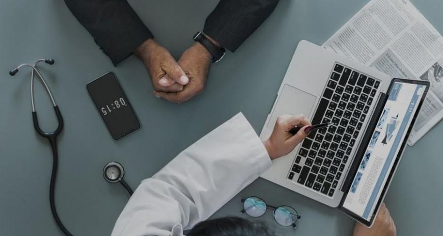 В Украине введут электронные медкарточки: что это значит