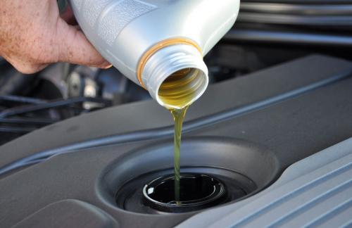 Зачем нужна своевременная замена масла в моторе?