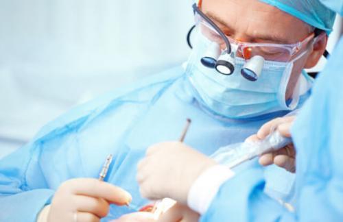 Где в Киеве найти лучшую хирургию зубов