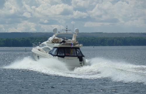 Один из лучших яхт-клубов России предоставляет выгодные условия для отдыха