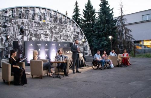 В Украине создали первый электрокар для людей с инвалидностью
