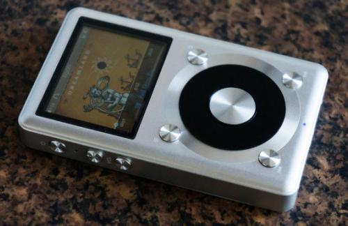 Обзор Fiio X1 — бюджетный плеер с небюджетным звуком