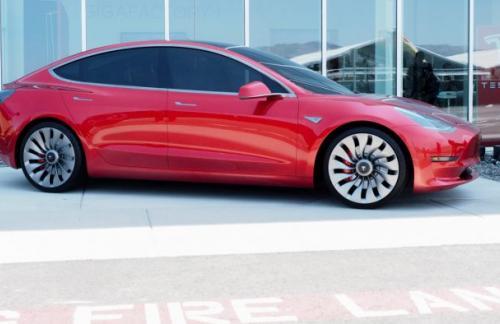 Tesla купила инженерную компанию, чтобы справиться с объемами производства Model 3