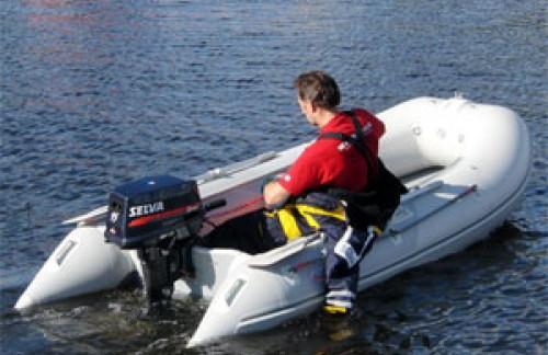 Лето, солнце, вода… и моторная лодка